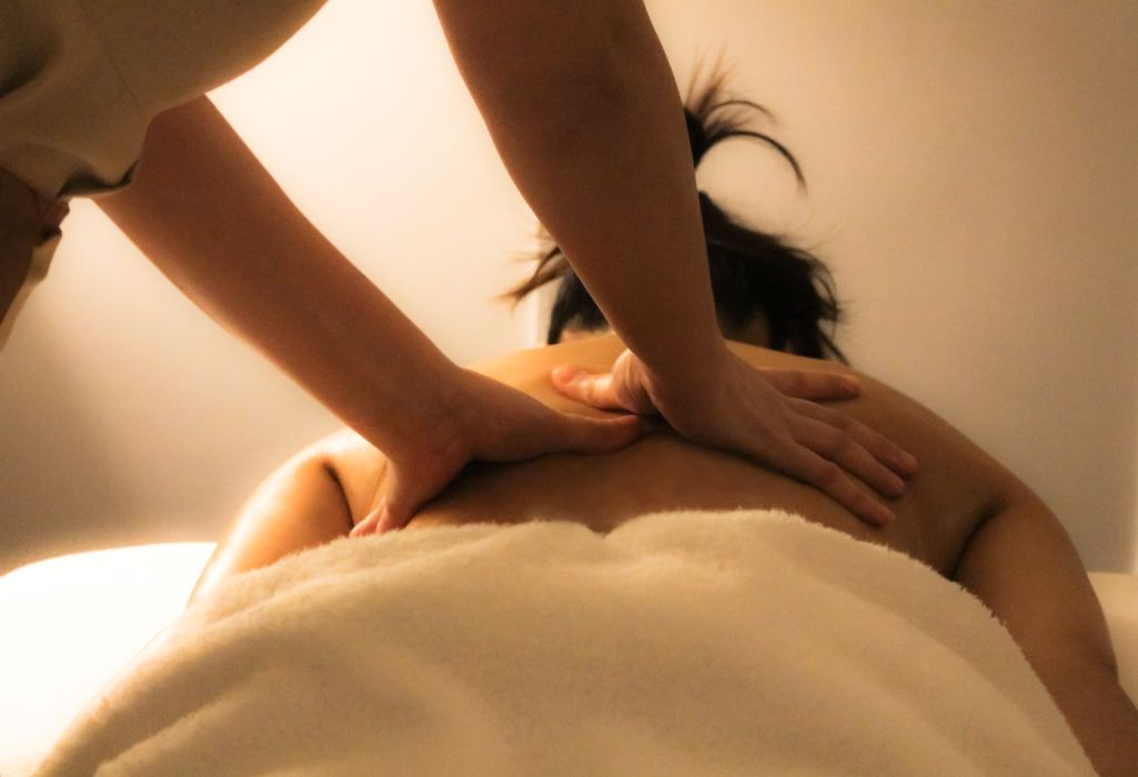 sexy-tjejer body and soul thai massage